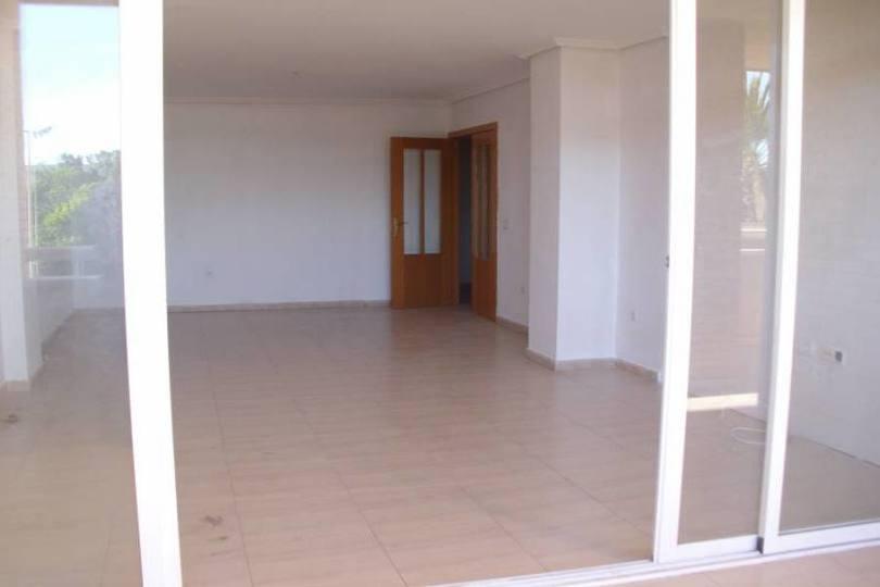 Alicante,Alicante,España,4 Bedrooms Bedrooms,2 BathroomsBathrooms,Pisos,14781