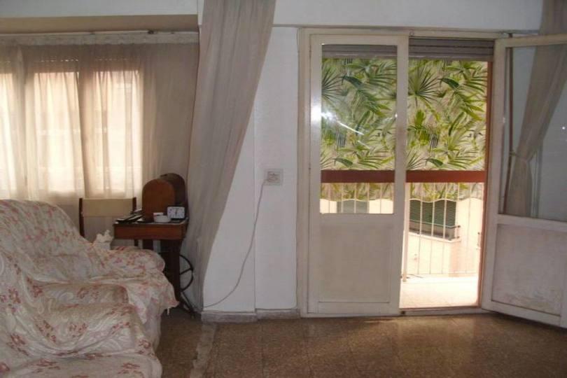 Alicante,Alicante,España,3 Bedrooms Bedrooms,2 BathroomsBathrooms,Pisos,14791