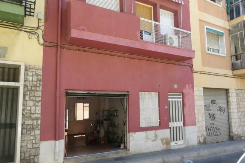 Alicante,Alicante,España,4 Bedrooms Bedrooms,1 BañoBathrooms,Casas,15686
