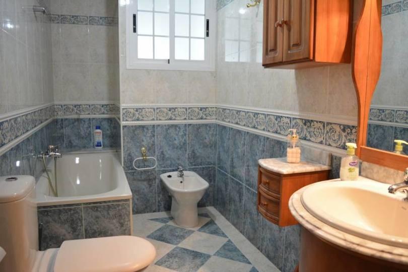 Elche,Alicante,España,4 Bedrooms Bedrooms,3 BathroomsBathrooms,Casas,15770
