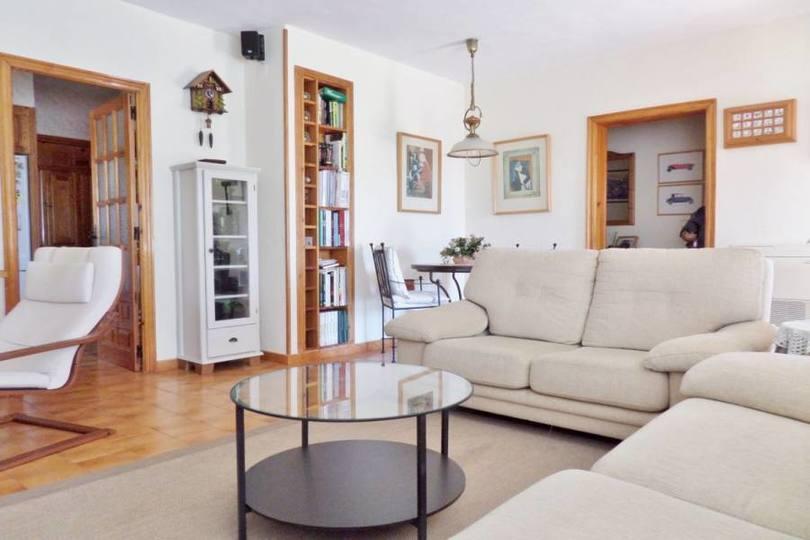 Busot,Alicante,España,4 Bedrooms Bedrooms,2 BathroomsBathrooms,Casas,15848
