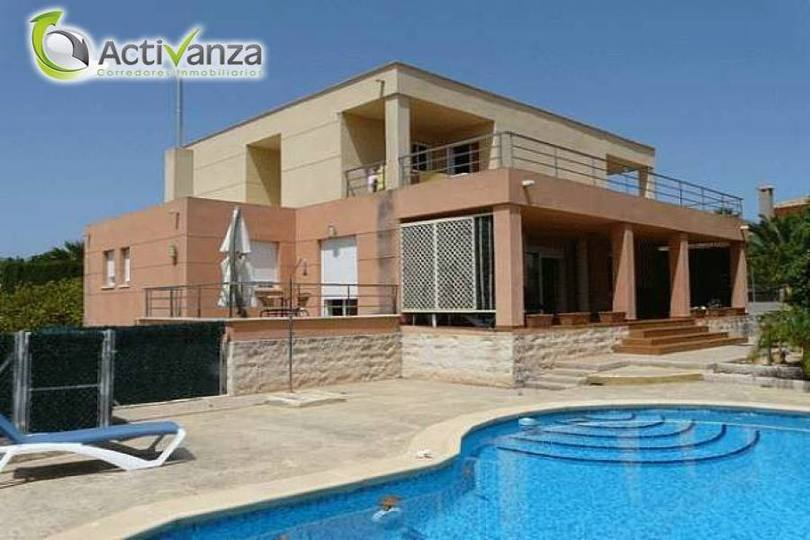 Alfaz del Pi,Alicante,España,4 Bedrooms Bedrooms,3 BathroomsBathrooms,Casas,15986