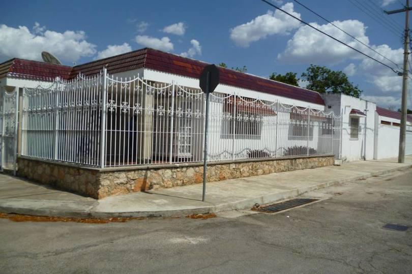Mérida,Yucatán,México,4 Habitaciones Habitaciones,3 BañosBaños,Casas,27 Col. Mexico,2358