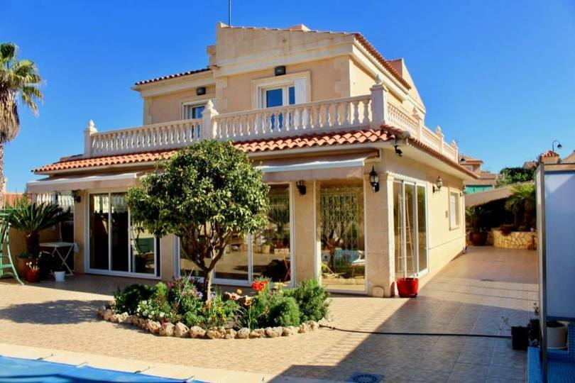 Benidorm,Alicante,España,4 Bedrooms Bedrooms,4 BathroomsBathrooms,Casas,16165