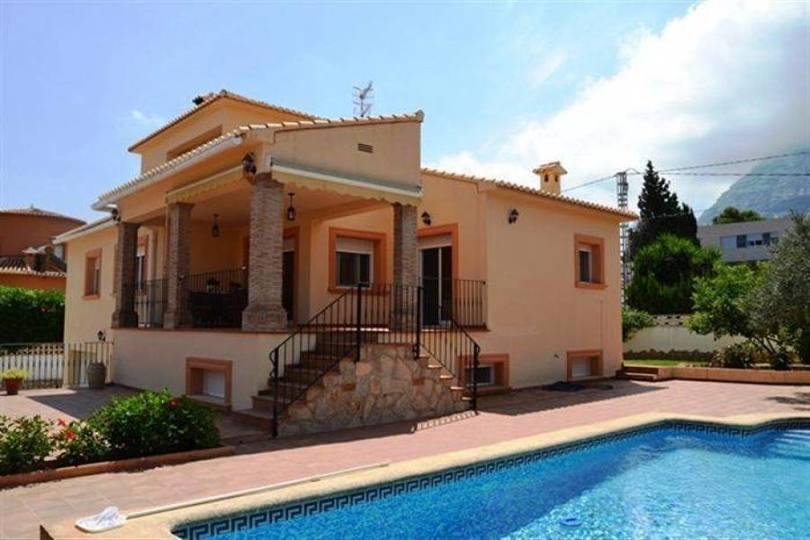 Dénia,Alicante,España,3 Bedrooms Bedrooms,4 BathroomsBathrooms,Chalets,16741