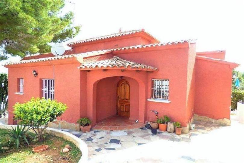 Dénia,Alicante,España,4 Bedrooms Bedrooms,2 BathroomsBathrooms,Chalets,16750