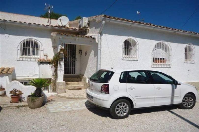 Dénia,Alicante,España,4 Bedrooms Bedrooms,2 BathroomsBathrooms,Chalets,16792