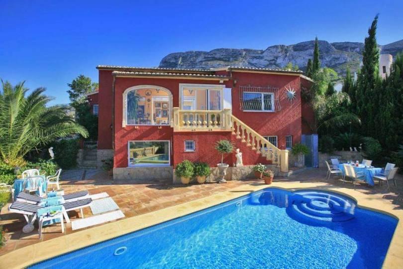 Dénia,Alicante,España,4 Bedrooms Bedrooms,3 BathroomsBathrooms,Chalets,16879