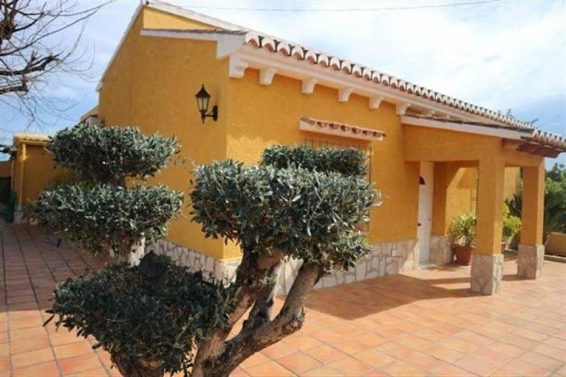 Dénia,Alicante,España,3 Bedrooms Bedrooms,2 BathroomsBathrooms,Chalets,16880
