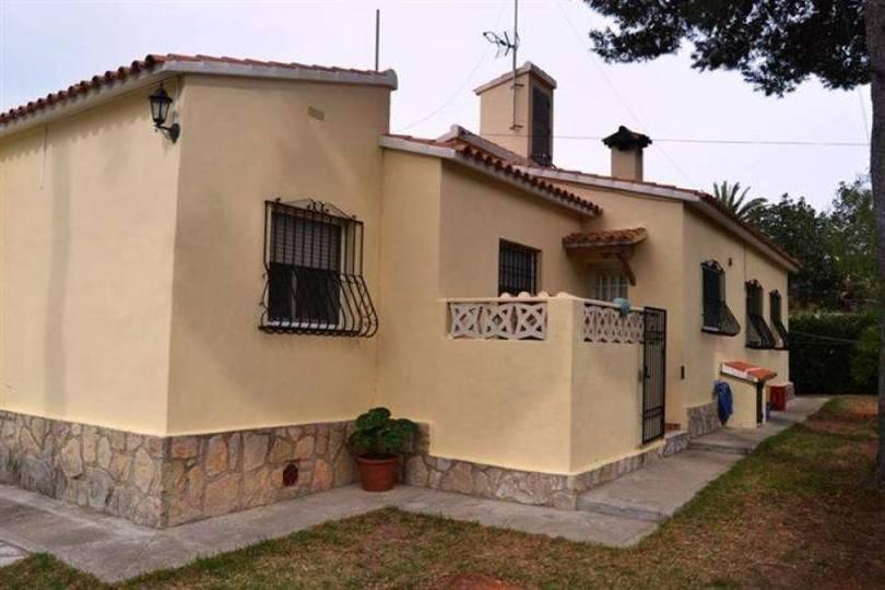 Dénia,Alicante,España,3 Bedrooms Bedrooms,2 BathroomsBathrooms,Chalets,16893