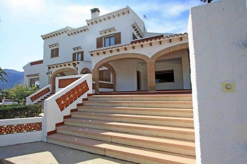 Els Poblets,Alicante,España,6 Bedrooms Bedrooms,5 BathroomsBathrooms,Chalets,16908
