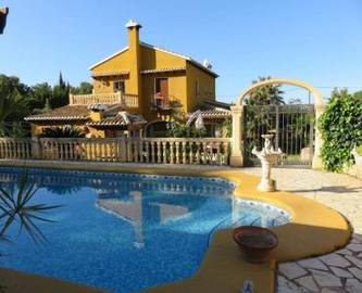 Dénia,Alicante,España,5 Bedrooms Bedrooms,3 BathroomsBathrooms,Chalets,16947