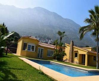 Dénia,Alicante,España,6 Bedrooms Bedrooms,3 BathroomsBathrooms,Chalets,16996