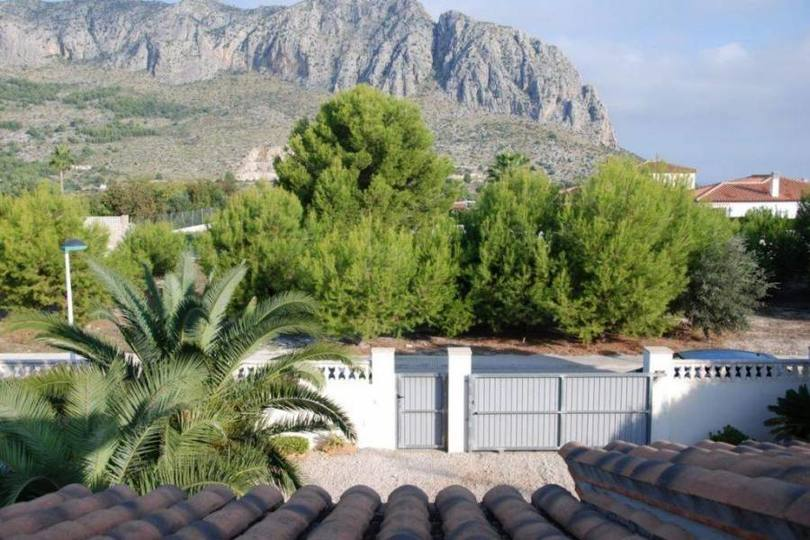 Beniarbeig,Alicante,España,4 Bedrooms Bedrooms,2 BathroomsBathrooms,Chalets,17005