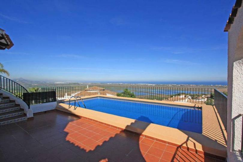 Pego,Alicante,España,4 Bedrooms Bedrooms,3 BathroomsBathrooms,Chalets,17008