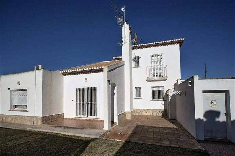 Dénia,Alicante,España,3 Bedrooms Bedrooms,3 BathroomsBathrooms,Chalets,17014
