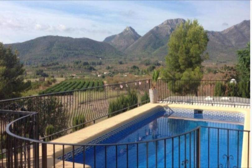 Jalon-Xalo,Alicante,España,4 Bedrooms Bedrooms,3 BathroomsBathrooms,Chalets,17017