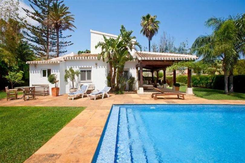 Dénia,Alicante,España,4 Bedrooms Bedrooms,3 BathroomsBathrooms,Chalets,17027