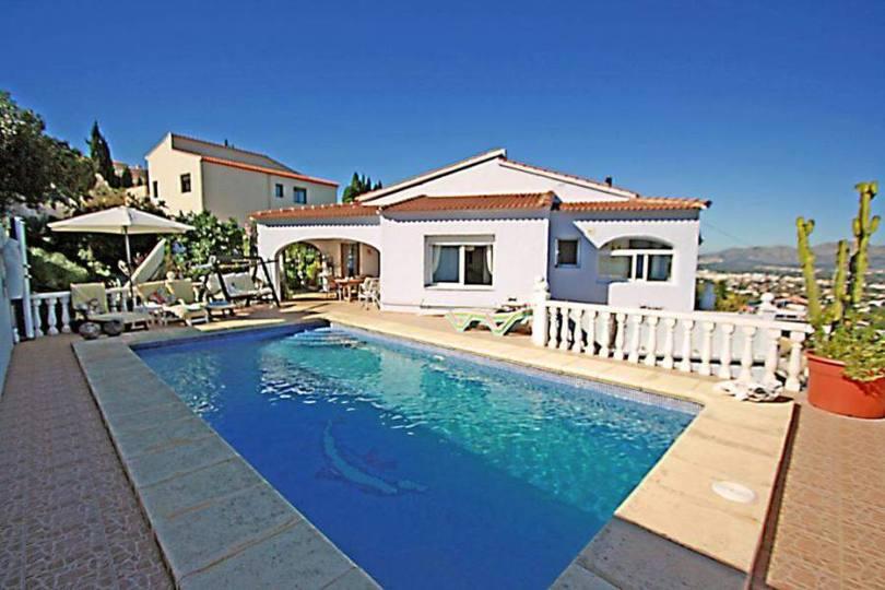 Pedreguer,Alicante,España,5 Bedrooms Bedrooms,3 BathroomsBathrooms,Chalets,17035