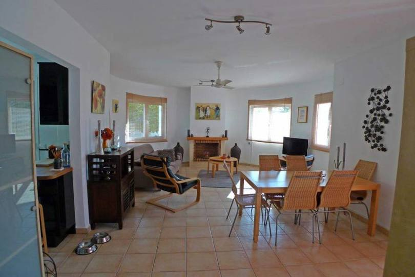 Jalon-Xalo,Alicante,España,3 Bedrooms Bedrooms,3 BathroomsBathrooms,Chalets,17046