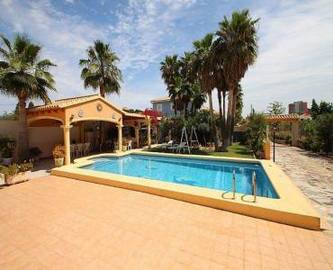 Dénia,Alicante,España,5 Bedrooms Bedrooms,4 BathroomsBathrooms,Chalets,17047