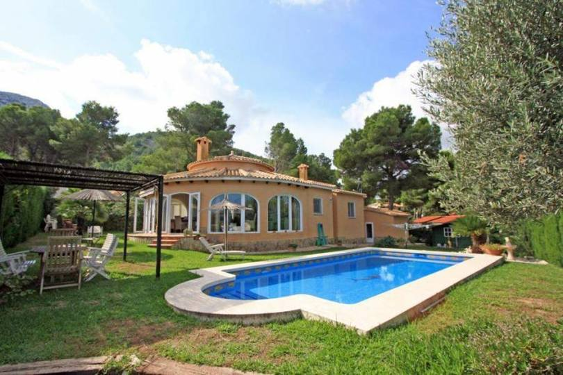 Dénia,Alicante,España,3 Bedrooms Bedrooms,2 BathroomsBathrooms,Chalets,17049
