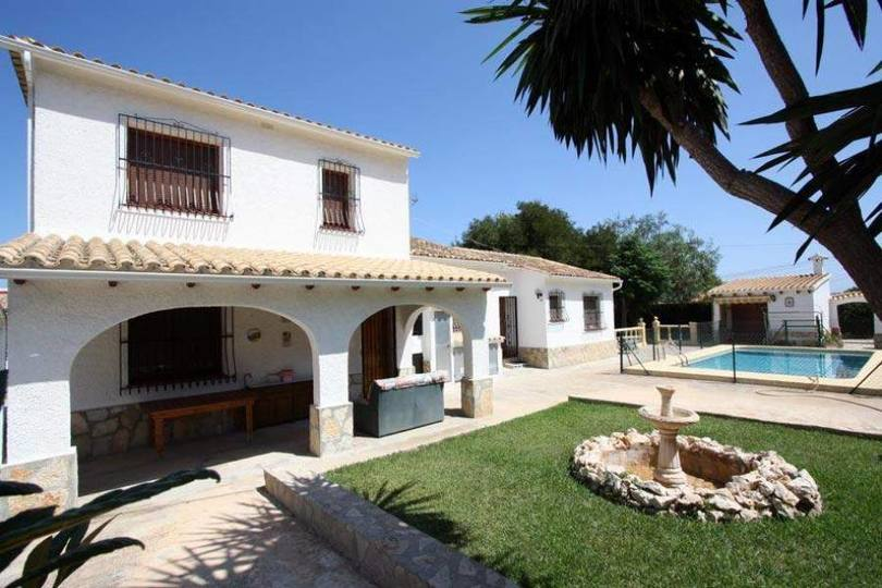 Dénia,Alicante,España,5 Bedrooms Bedrooms,3 BathroomsBathrooms,Chalets,17076