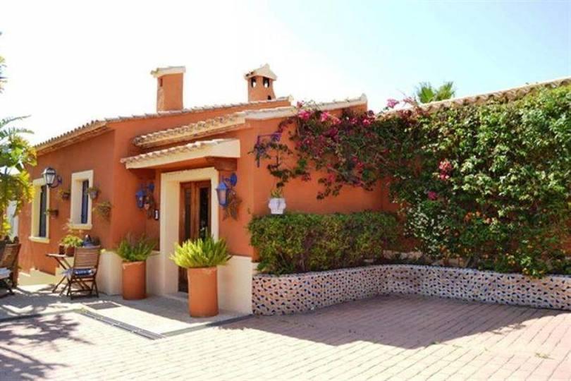 Dénia,Alicante,España,6 Bedrooms Bedrooms,5 BathroomsBathrooms,Chalets,17116