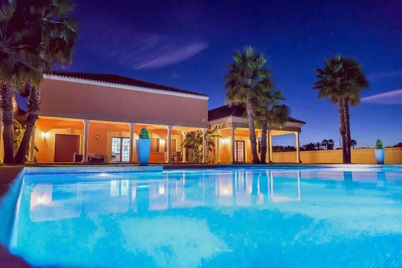 Dénia,Alicante,España,5 Bedrooms Bedrooms,5 BathroomsBathrooms,Chalets,17123