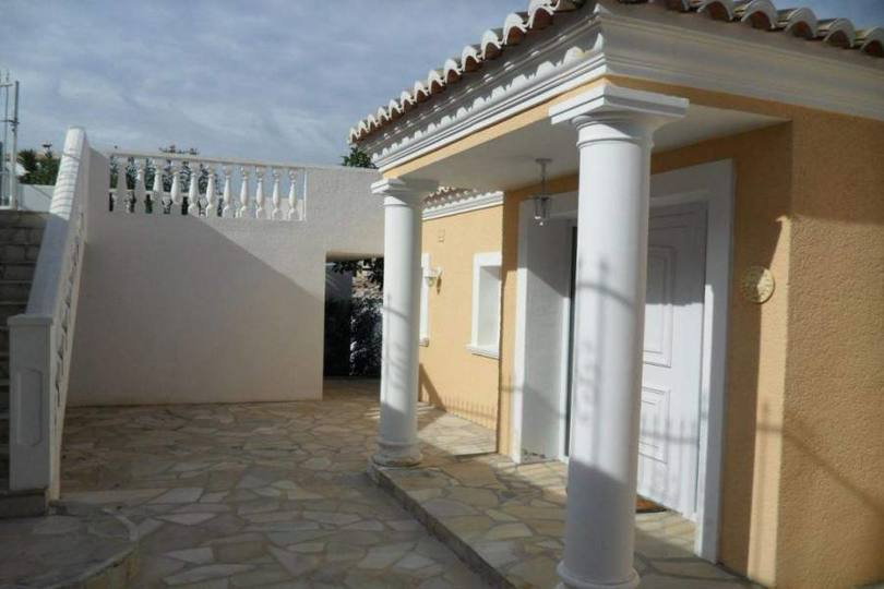 Orba,Alicante,España,3 Bedrooms Bedrooms,2 BathroomsBathrooms,Chalets,17129