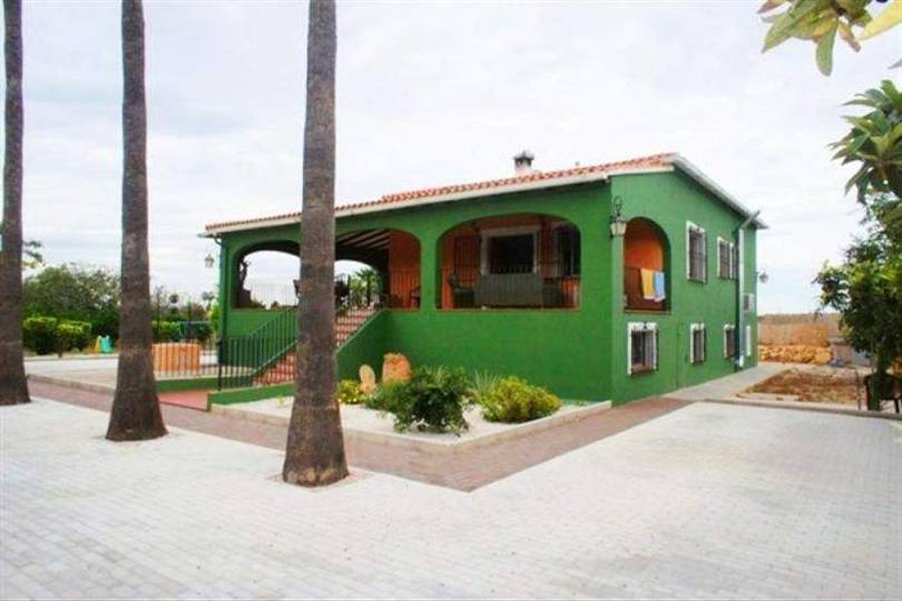 Dénia,Alicante,España,3 Bedrooms Bedrooms,3 BathroomsBathrooms,Chalets,17146