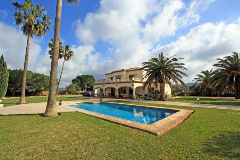 Dénia,Alicante,España,6 Bedrooms Bedrooms,3 BathroomsBathrooms,Chalets,17149