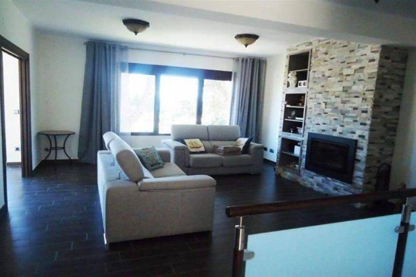 Dénia,Alicante,España,5 Bedrooms Bedrooms,3 BathroomsBathrooms,Chalets,17162