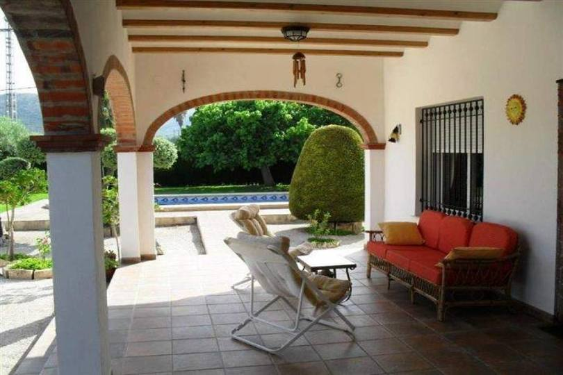 Pedreguer,Alicante,España,4 Bedrooms Bedrooms,3 BathroomsBathrooms,Chalets,17166