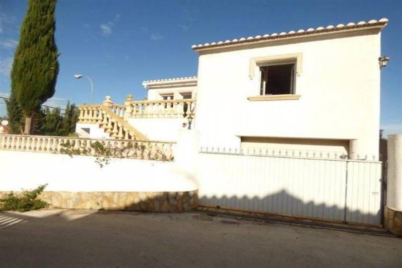 Dénia,Alicante,España,3 Bedrooms Bedrooms,4 BathroomsBathrooms,Chalets,17169