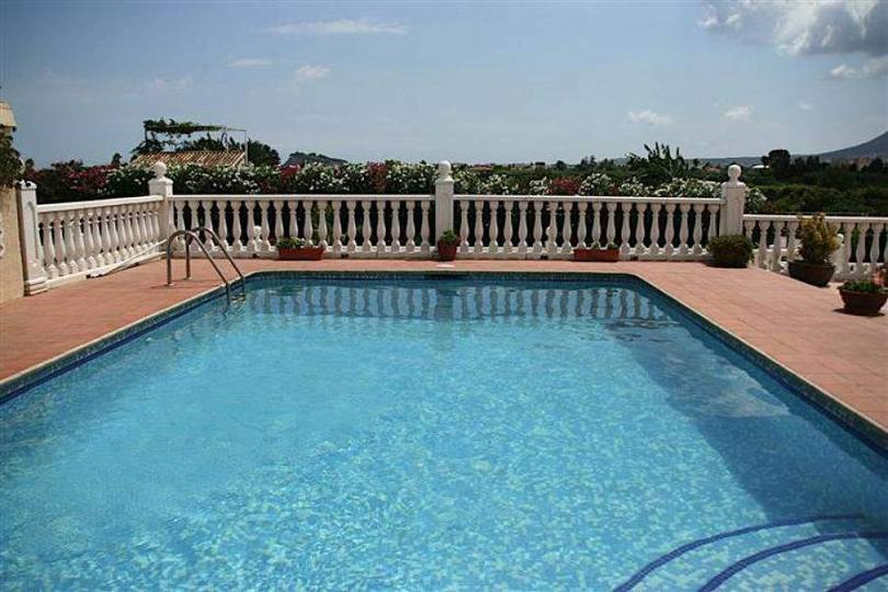 Dénia,Alicante,España,4 Bedrooms Bedrooms,2 BathroomsBathrooms,Chalets,17174