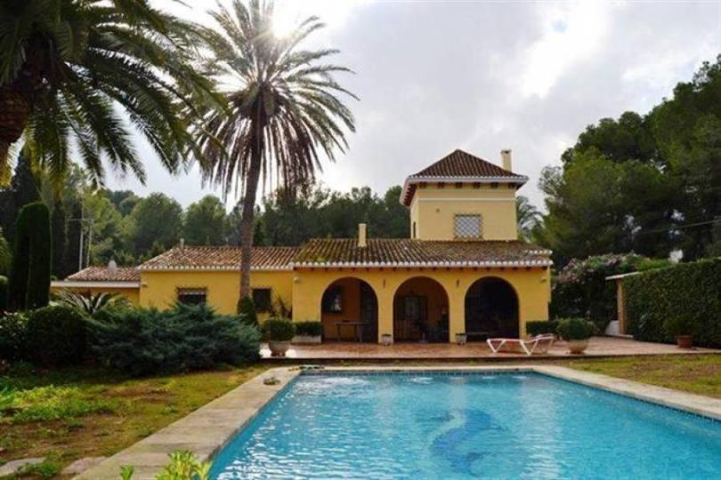 Dénia,Alicante,España,4 Bedrooms Bedrooms,4 BathroomsBathrooms,Chalets,17183