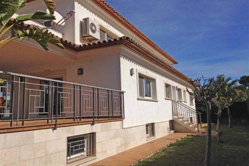 Dénia,Alicante,España,4 Bedrooms Bedrooms,3 BathroomsBathrooms,Chalets,17188