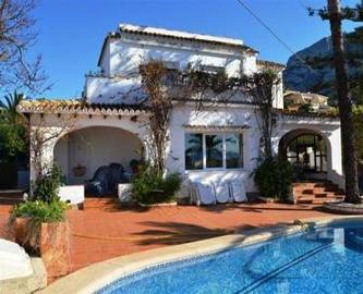 Dénia,Alicante,España,3 Bedrooms Bedrooms,4 BathroomsBathrooms,Chalets,17190