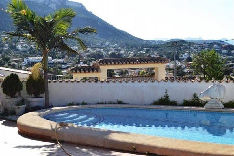 Dénia,Alicante,España,3 Bedrooms Bedrooms,4 BathroomsBathrooms,Chalets,17190