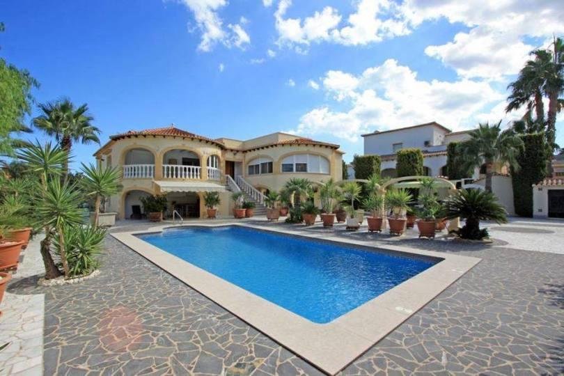 Dénia,Alicante,España,5 Bedrooms Bedrooms,3 BathroomsBathrooms,Chalets,17195