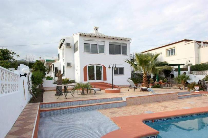 Orba,Alicante,España,4 Bedrooms Bedrooms,3 BathroomsBathrooms,Chalets,17199
