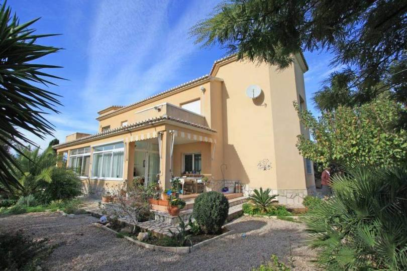 Dénia,Alicante,España,6 Bedrooms Bedrooms,4 BathroomsBathrooms,Chalets,17211