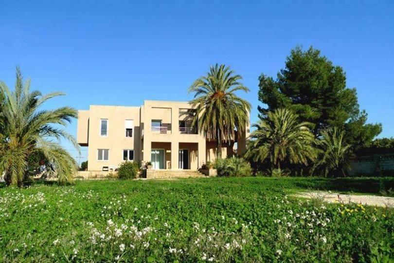 Pedreguer,Alicante,España,5 Bedrooms Bedrooms,4 BathroomsBathrooms,Chalets,17217