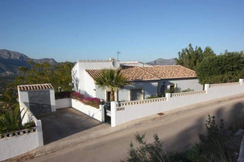 Orba,Alicante,España,4 Bedrooms Bedrooms,2 BathroomsBathrooms,Chalets,17219
