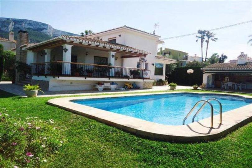 Dénia,Alicante,España,4 Bedrooms Bedrooms,4 BathroomsBathrooms,Chalets,17229