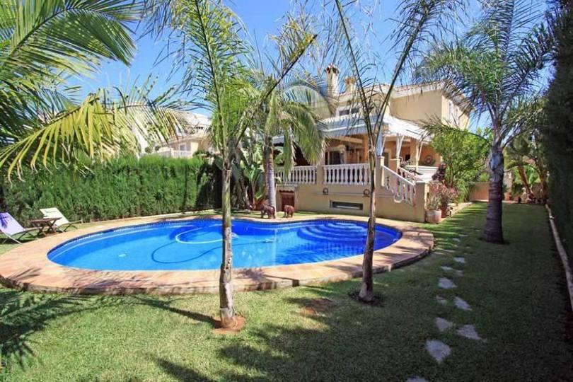 Dénia,Alicante,España,4 Bedrooms Bedrooms,3 BathroomsBathrooms,Chalets,17237