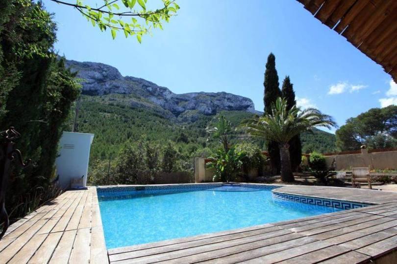 Dénia,Alicante,España,4 Bedrooms Bedrooms,2 BathroomsBathrooms,Chalets,17239