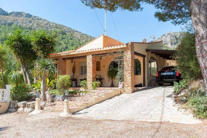 Orba,Alicante,España,4 Bedrooms Bedrooms,3 BathroomsBathrooms,Chalets,17244