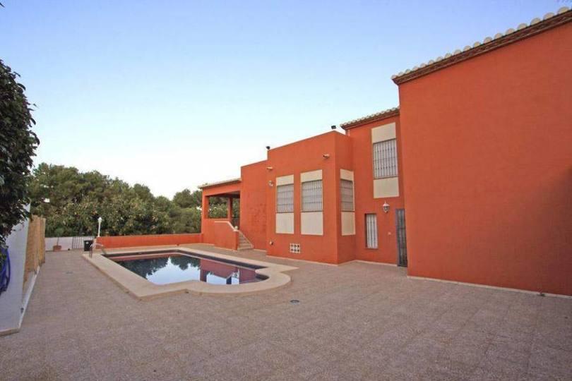 Dénia,Alicante,España,6 Bedrooms Bedrooms,3 BathroomsBathrooms,Chalets,17264